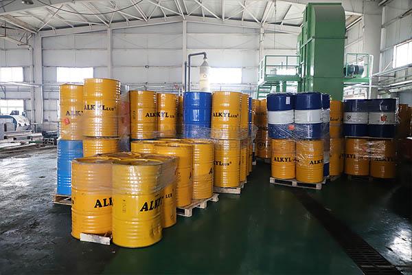 铁桶破碎机处理系统,废铁桶破碎清洗回收工艺介绍