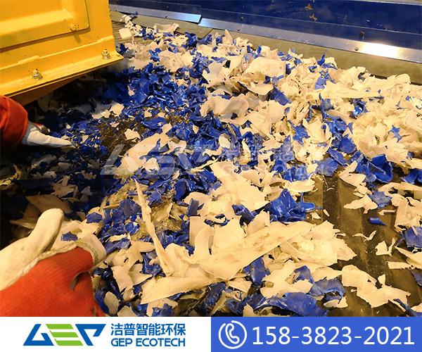 化工塑料桶破碎工艺流程,废旧塑料破碎回收生产线