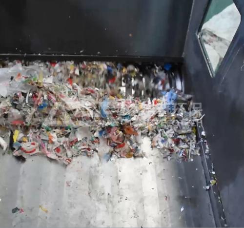 单轴绞绳垃圾撕碎机试机-单轴破碎