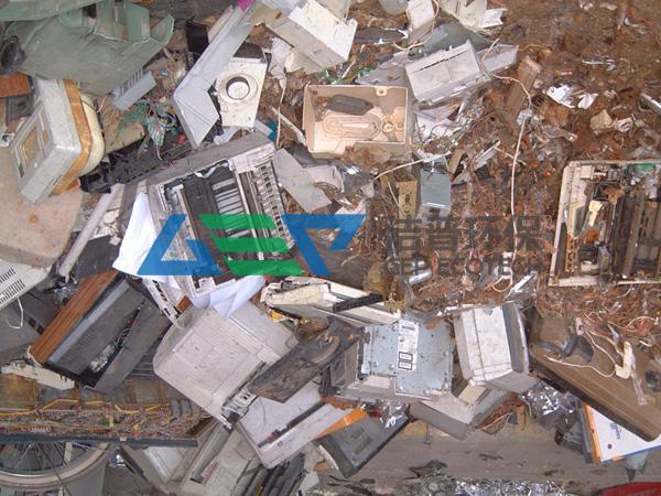工业垃圾如何处理?工业垃圾破碎机成明智选择