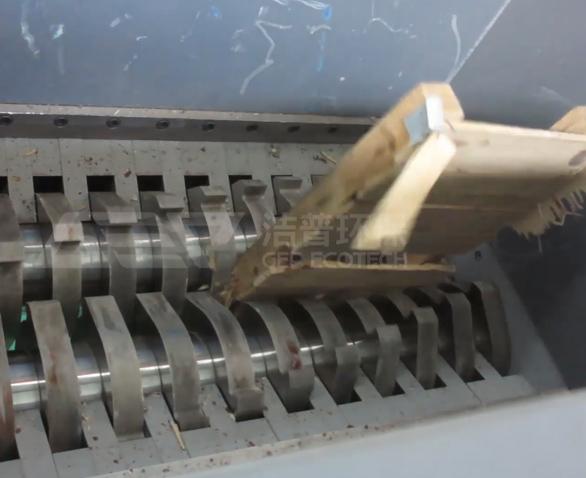 小型废旧模板破碎机多少钱一台