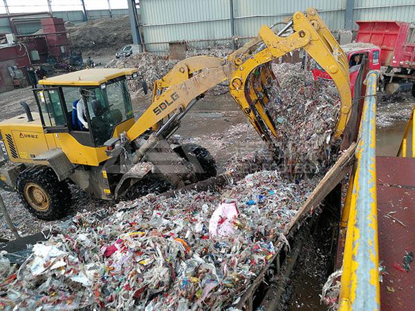 造纸厂废料处理方法,造纸厂垃圾破碎处理生产线为您助力